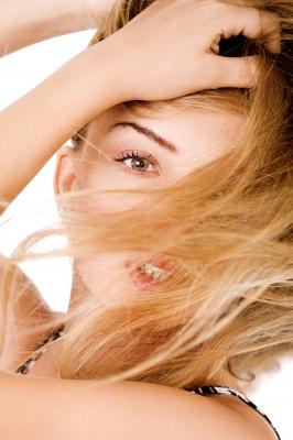 solutions naturelles en cas de chute des cheveux ou de pellicules