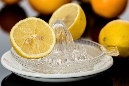 Jus de citron pour dissoudre les calculs