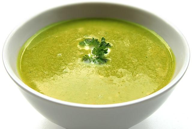 soupe verte épaisse pour la détox