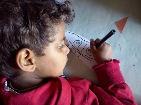 analyser dessins et écriture d'enfants