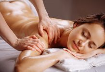 effleurage massage californien