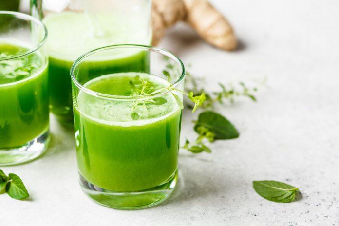 Jus vert aux huiles essentielles